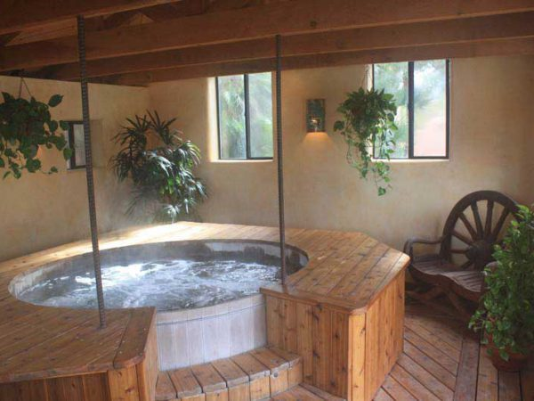 White Stallion Ranch Hot Tub